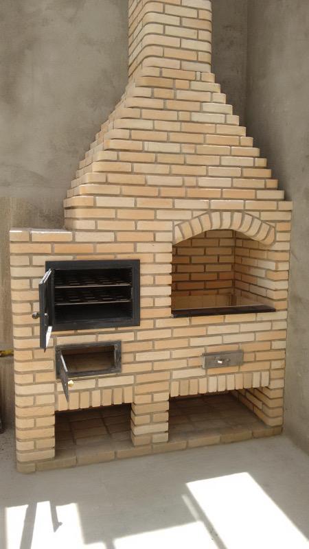 Acoplado churrasqueira e forno de ferro